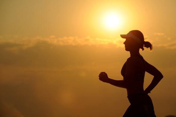 woman-girl-silhouette jogger