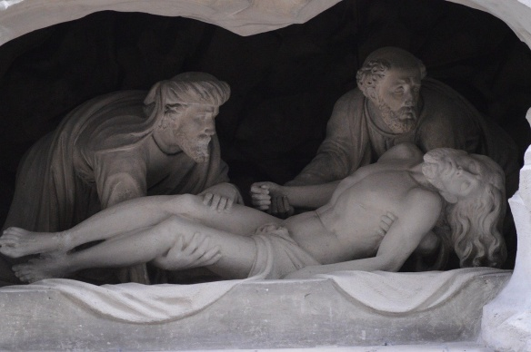 Jesus in tomb