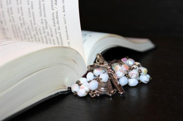 rosary-1215116_1280 - MEDIUM